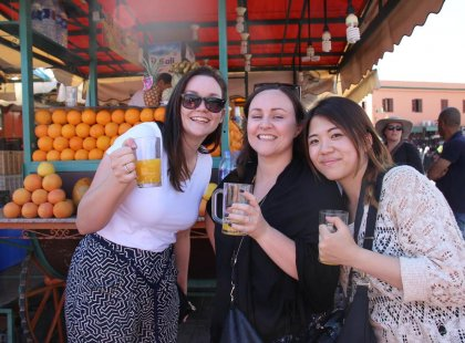 Morocco_Marrakech_smiling-traveller_orange-juice