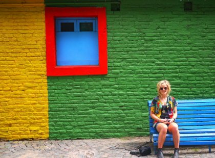 argentina_buenos-aires_colourful_girl